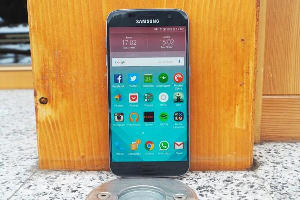 Display Comparison: Samsung Galaxy S7 vs LG G5